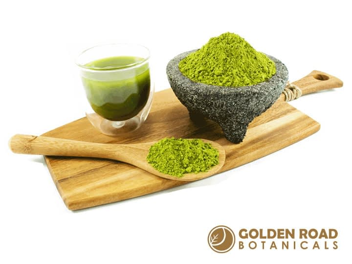 Kratom scoops and powder